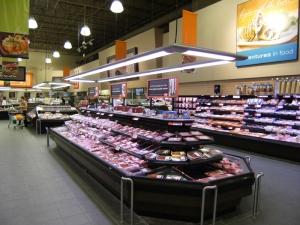 Self-service a base di carne Casi multideck al Longos Bros Supermercato sguardo sorprendente con Promolux